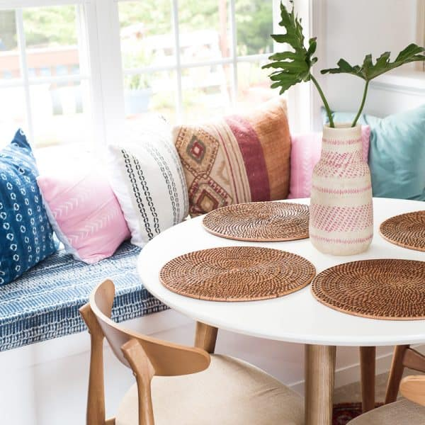 OUR COZY AND COMFORTABLE BREAKFAST NOOK REVEAL