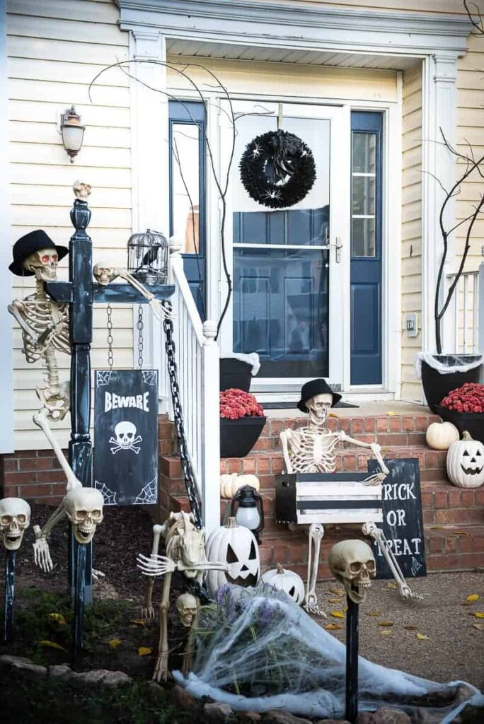 Spooky bones and skeletons make a great halloween decor
