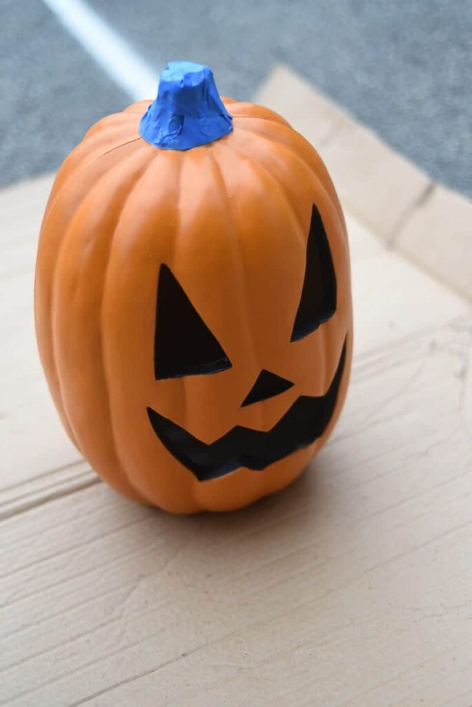 spray paint a pumpkin