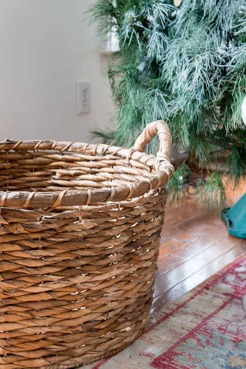 Do you love the Christmas tree in a basket idea? I show you how to do it the right and easy way! Check out and add a basket to your decor this year!