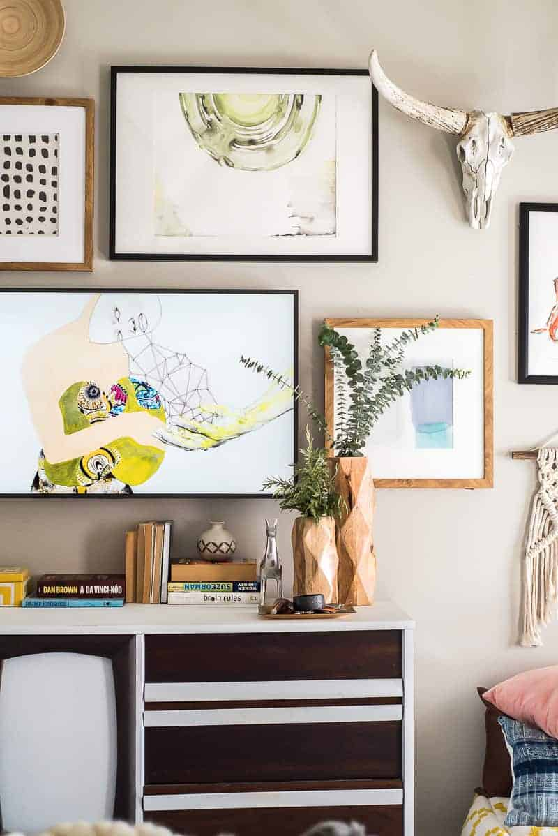 AN AMAZING GALLERY WALL WITH THE FRAME TV