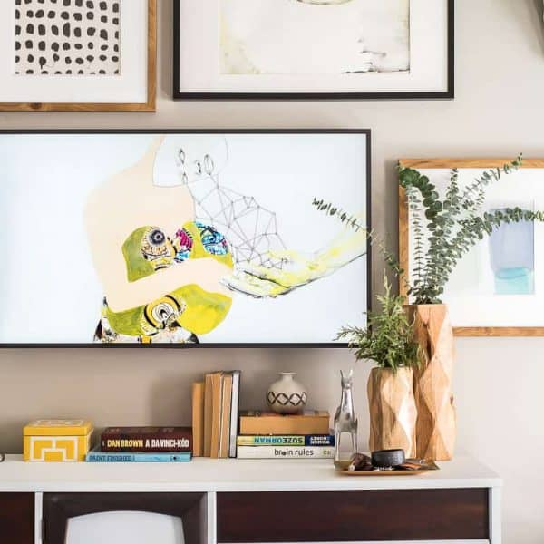 GALLERY WALL WITH THE FRAME TV
