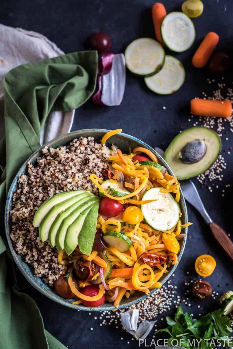 Easy Veggie Quinoa Bowl