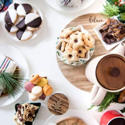Festive Holiday Gathering Tips and Table