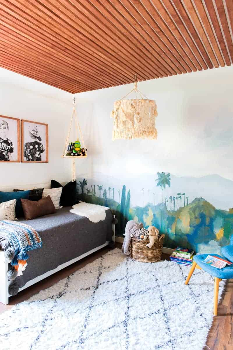 KIDS ROOM MAKEOVER WITH MINTED WALL MURALS