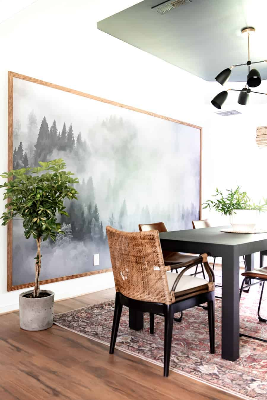Moody Modern Dining Room Decor. So fun and inspiring!