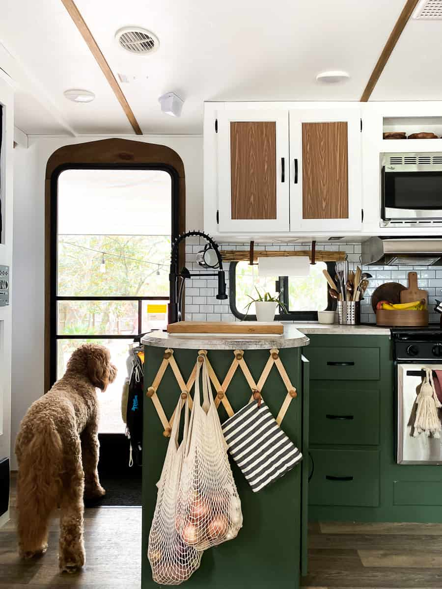 such a cool camper kitchen